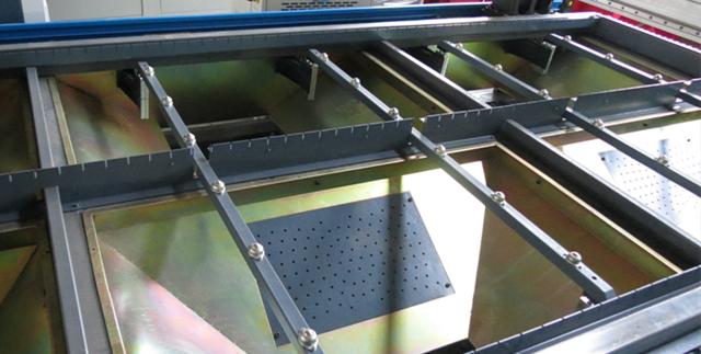 Станок для резки металла UMEC RJ1325В с источником 1200 Вт